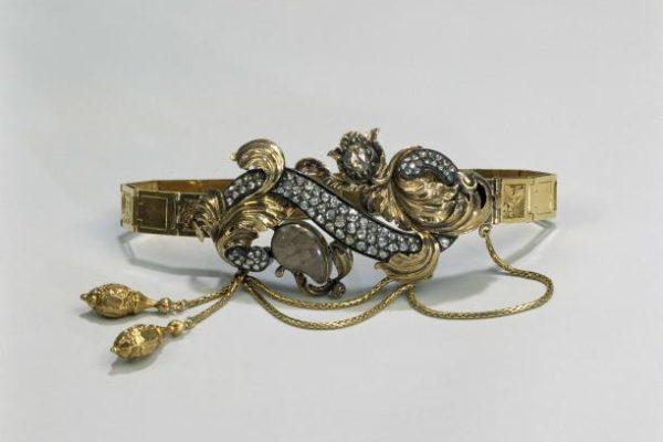 Armband. Goud, verguld zilver, diamanten en haar. Duitsland en Nederland (?), ca. 1845 - 1850. Collectie Rijksmuseum