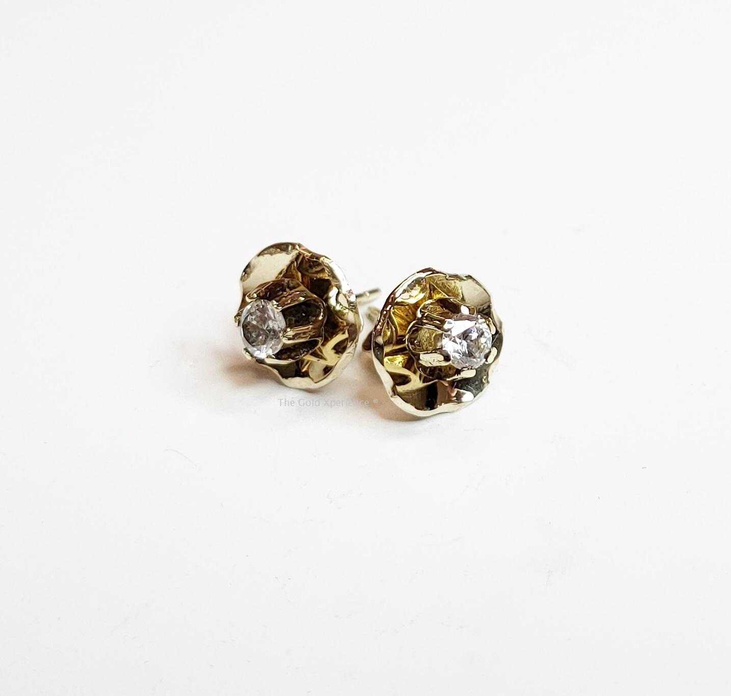 Oorknopjes gouden diamant bloem