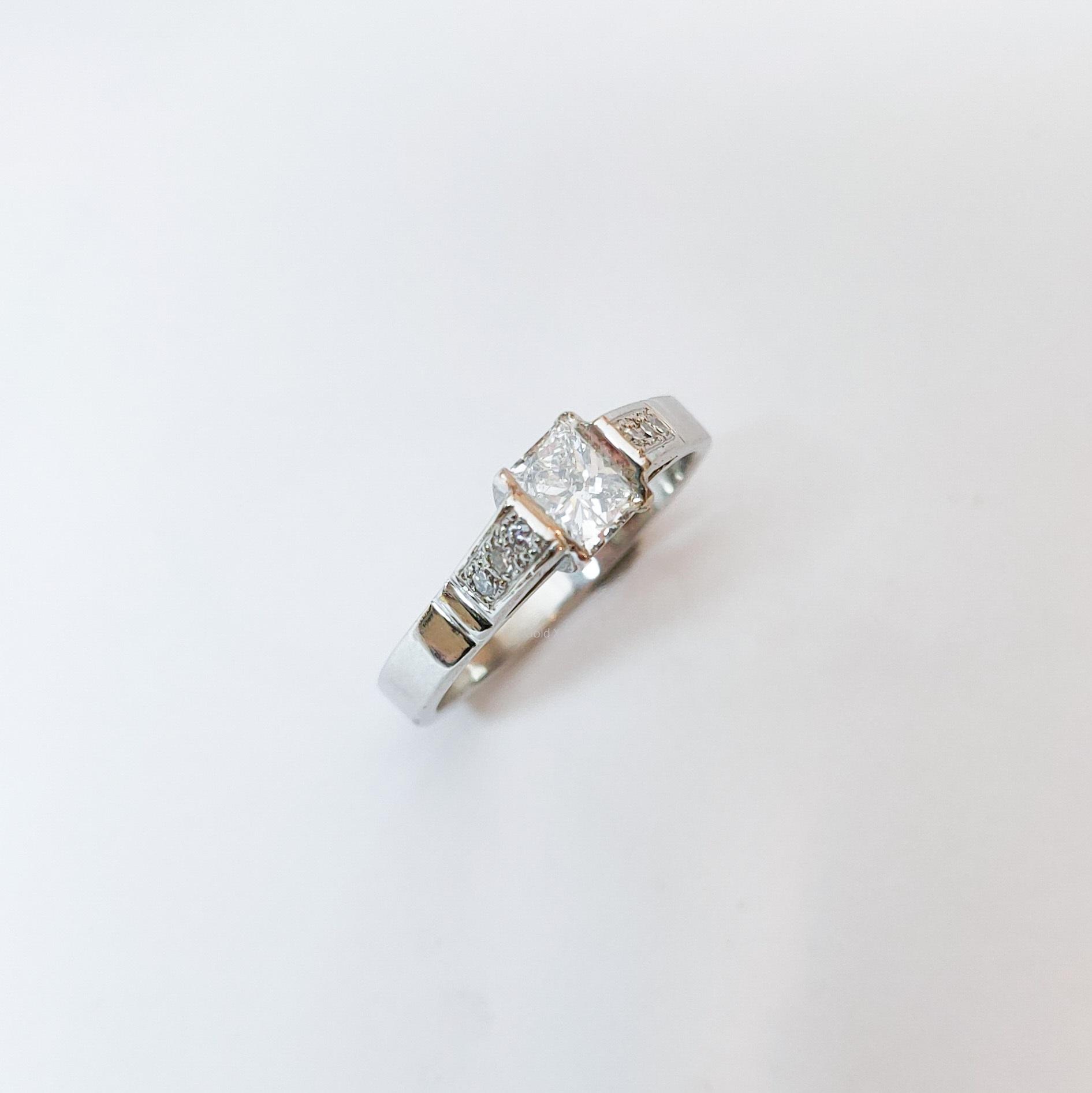 Platina ring met grote diamant